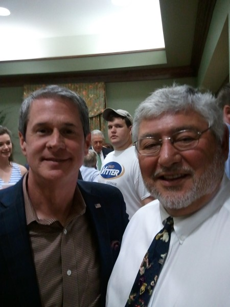 Sen David Vitter (L), Downsville Mayor Reggie Skains